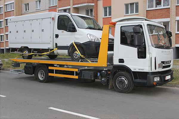 Заказ эвакуатора в Звенигороде