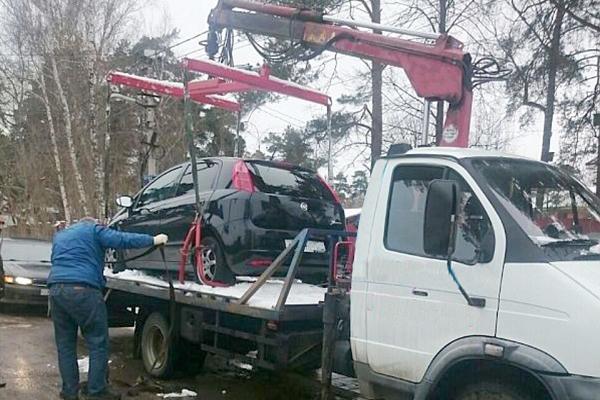 цены на услуги эвакуатора в Орехово-Борисово